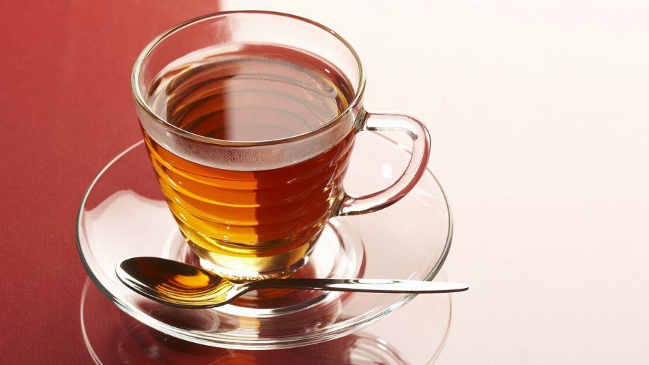 кружка чая из шелухи лука