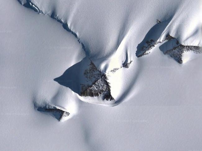 Пирамида посреди Антарктиды