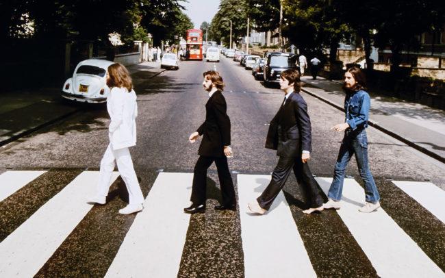 Beatles переходят дорогу в обратную сторону