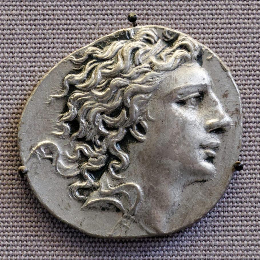 Монета с портретом