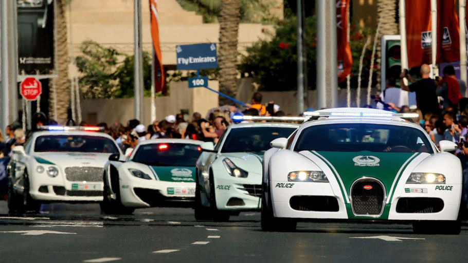 Полицейские автомобили в Дубае