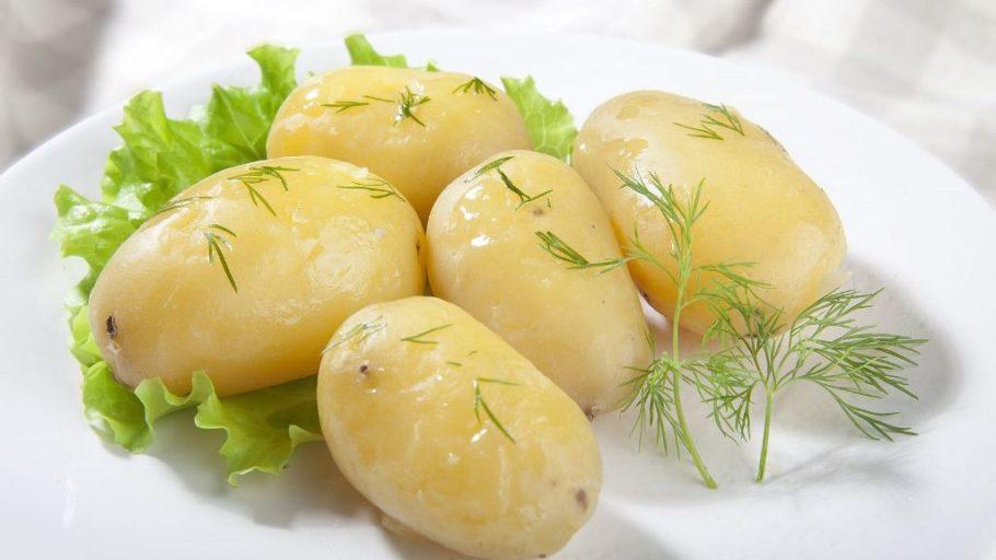 варенная картошка с укропом