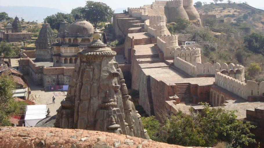 Форт Кумбалгарх в Индии
