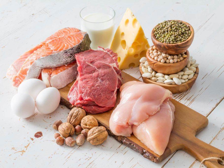 рыба, мясо, орехи, яйца и другие продукты