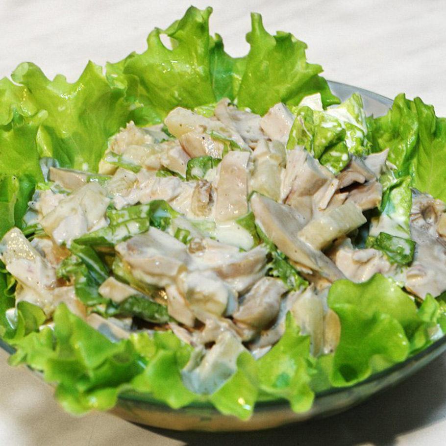 Грибной салат с мясом краба и сыром