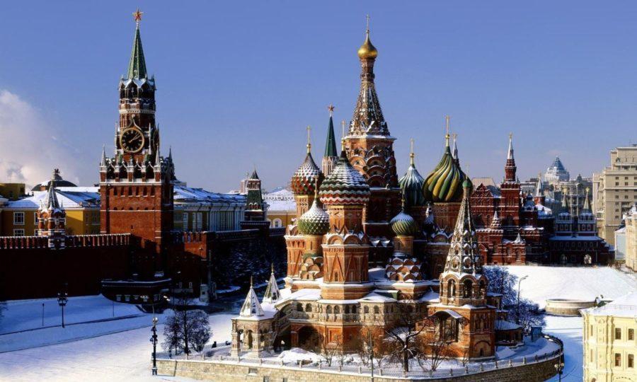 Кремль в снегу