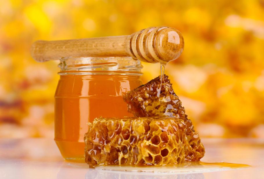 мёд в банке и в сотах
