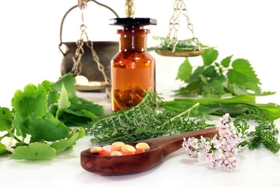 таблетки и лечебные травы