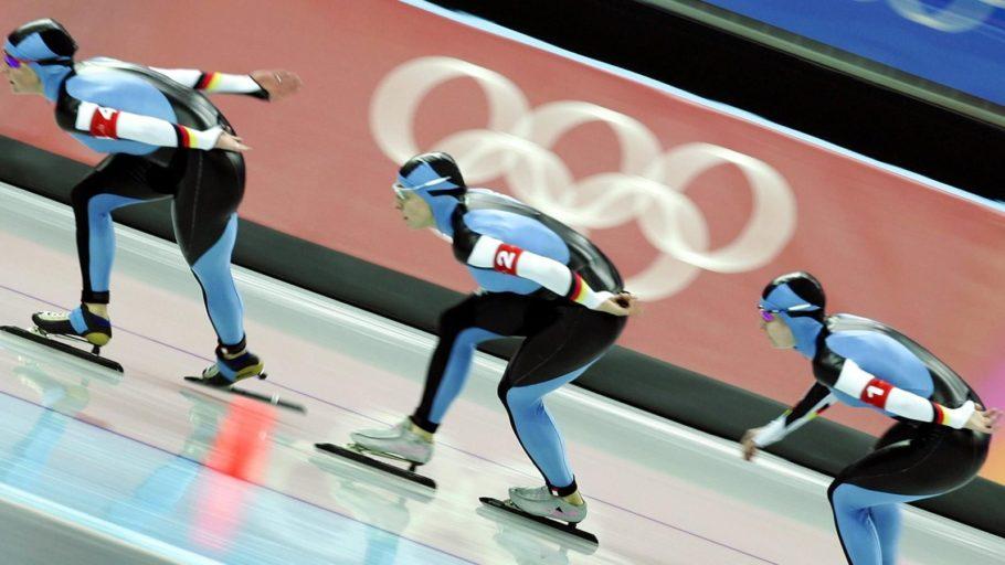 конькобежци