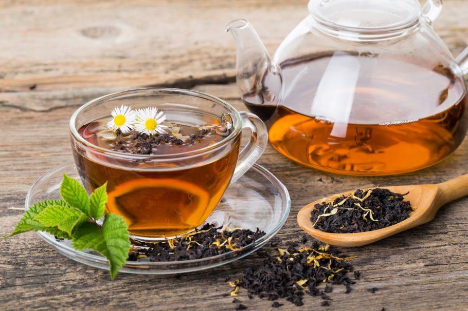 чай от простатита в чашке и чайнике