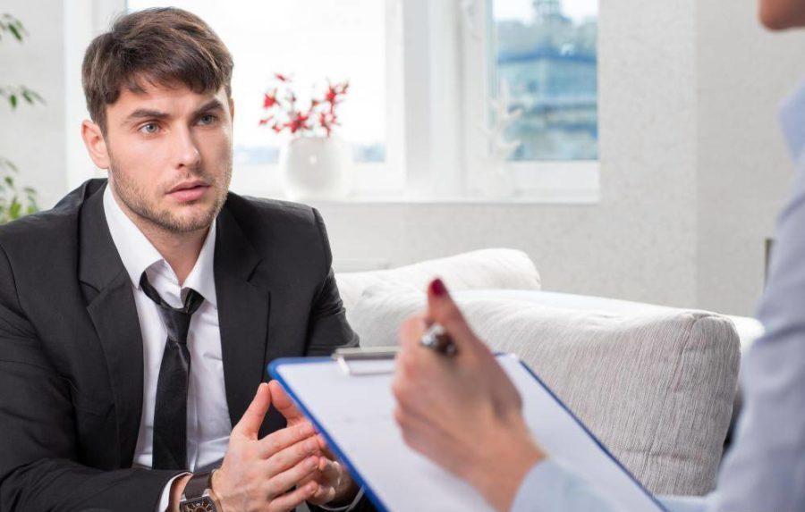 мужчина на приема у врача