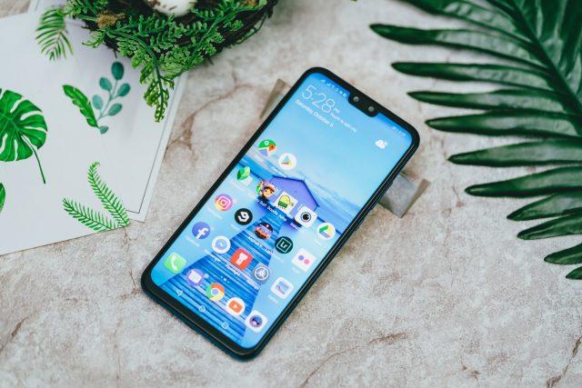 Huawei Y9 — достоинства и недостатки