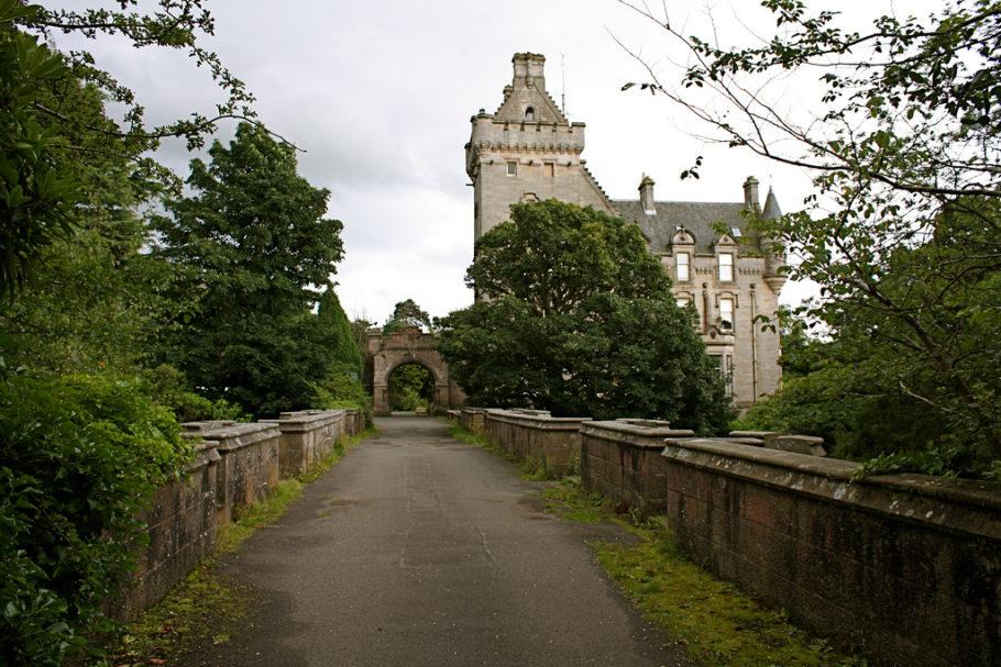 Овертонский мост в Шотландии