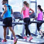 Kак правильно бегать на беговой дорожке? Рекомендации спортинструктора