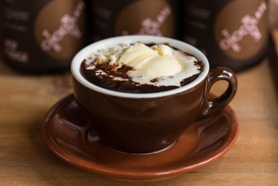 Самый важный продукт, из которого Вы будете готовить согревающий душу и сердце напиток, это шоколад