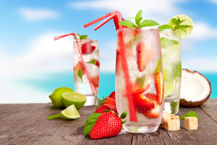 Входящие в состав напитка мята и лайм успокаивают нервную систему и способствуют расслаблению