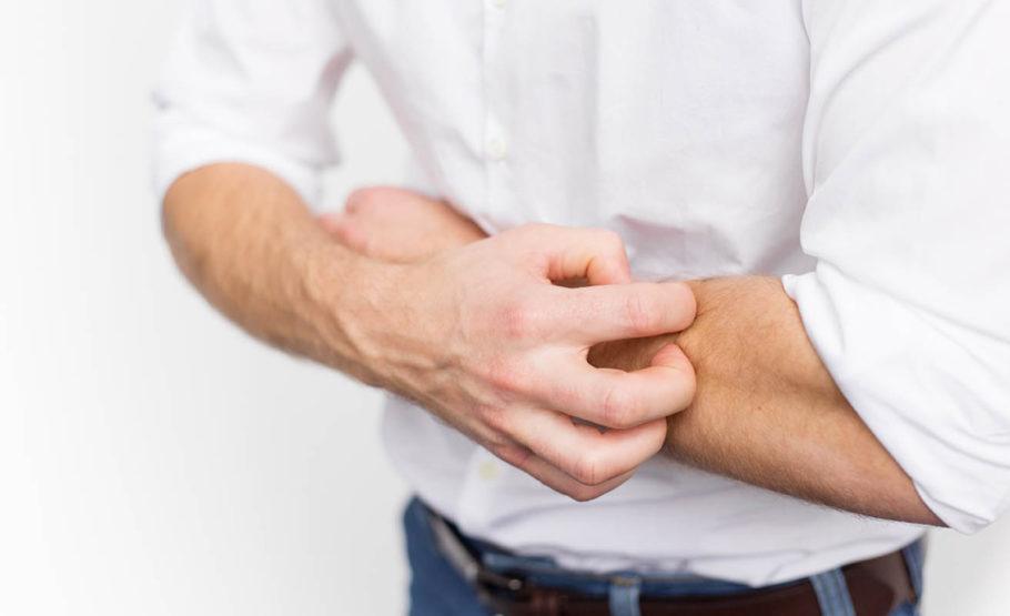 Также могут возникнуть головные боли, изжога, зуд в области анального отверстия