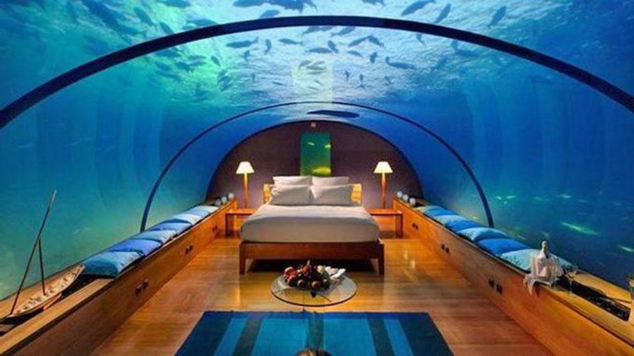 Вместо стены – аквариум