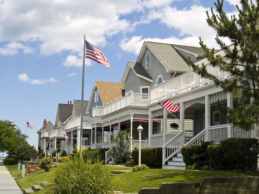 Разрешение на съемку, как правило, получить можно у владельца недвижимости