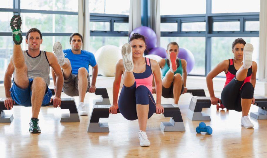 Можно сказать, что функциональный фитнес это своего рода производная от опыта спортсменов, фитнес инструктором и медиков, которые занимаются разработкой реабилитационных программ