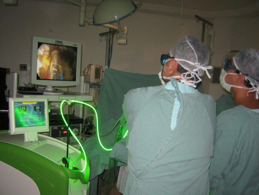 Терапия лазером – способ лечения определенного органа или всего организма человека