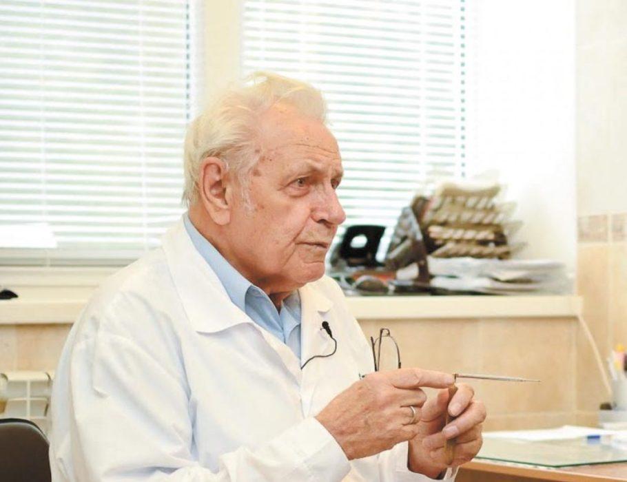По Неумывакину лечение простатита с помощью соды может проводиться в виде микроклизм и сидячих ванночек