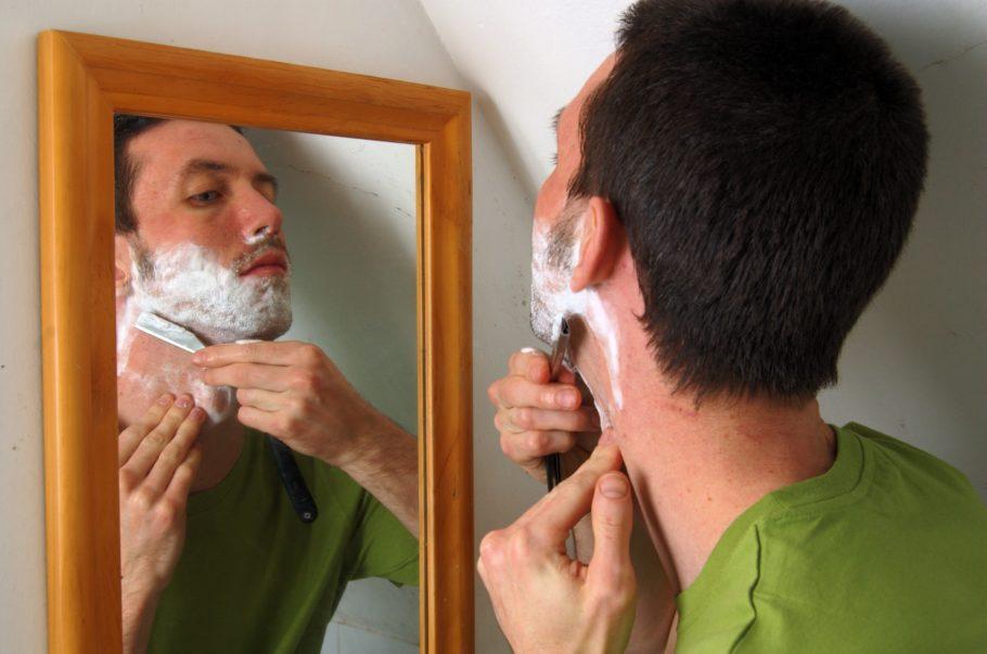 Причин того, что появляются прыщи после бритья, немало, также много и неприятных минут, которые прыщи несут человеку