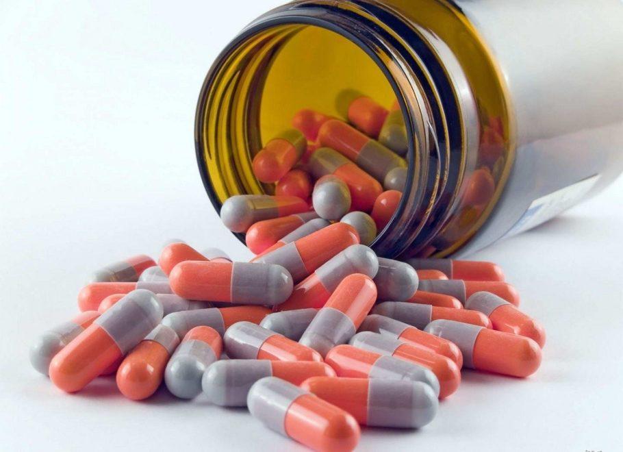 Нередко инфекционная форма простатита требует применения нескольких групп медикаментозных средств