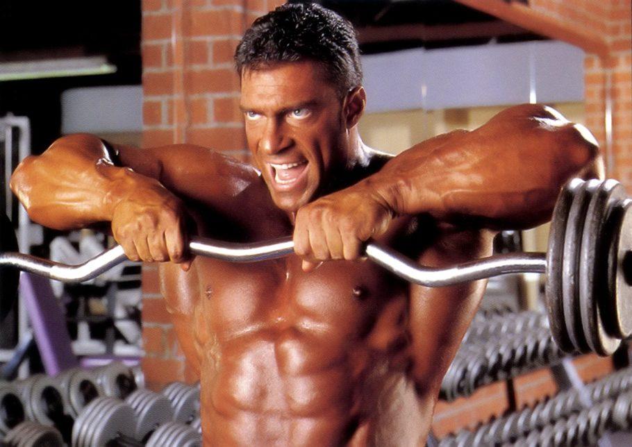 Выполнение упражнения оттачивает и прорисовывает форму мышц, делая четкий переход между ними