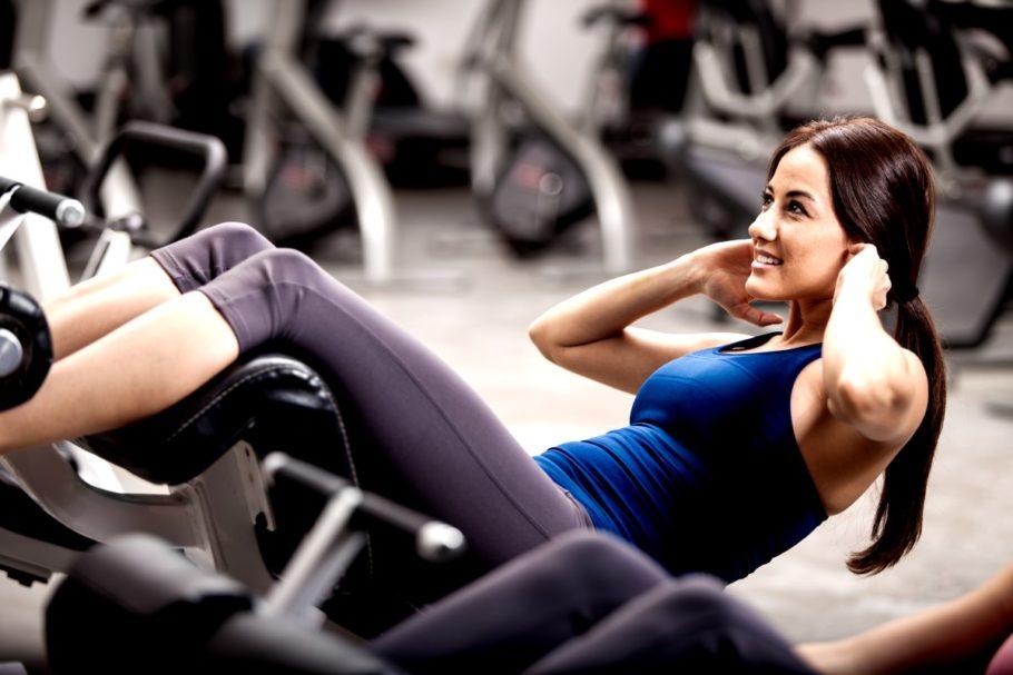При варикозе допустимы только легкие упражнения, которые не вызывают излишнего напряжения