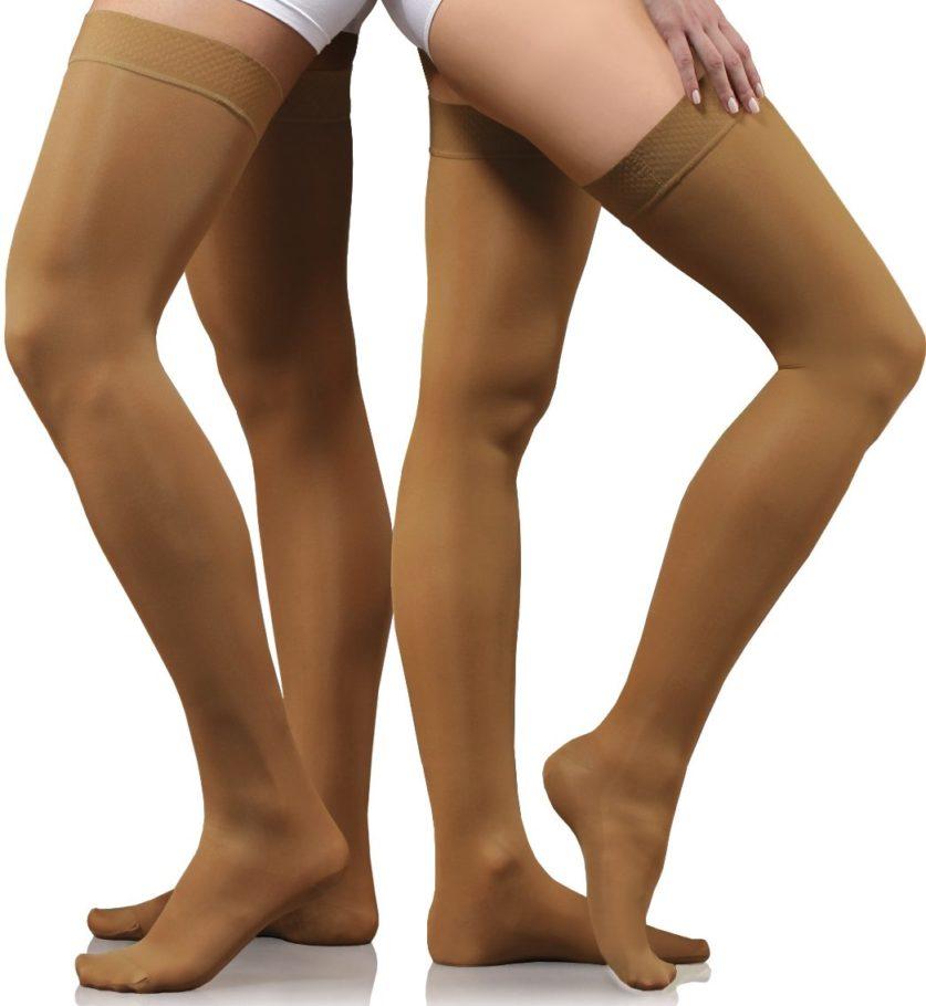 ноги в утягивающих чулках