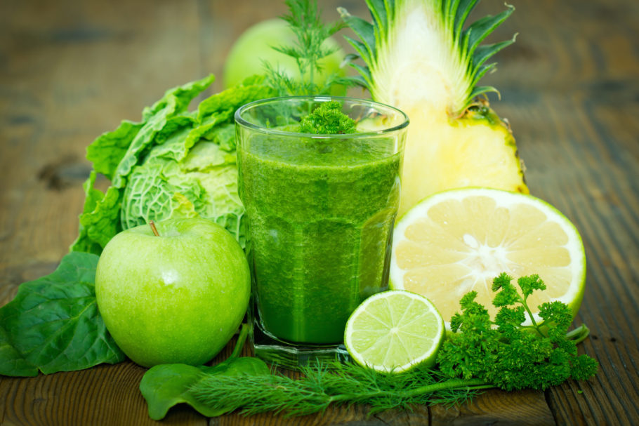 Смузи из экзотических фруктов хорошо восстанавливает мышцы после бега, улучшает пищеварение и содержит антиоксиданты