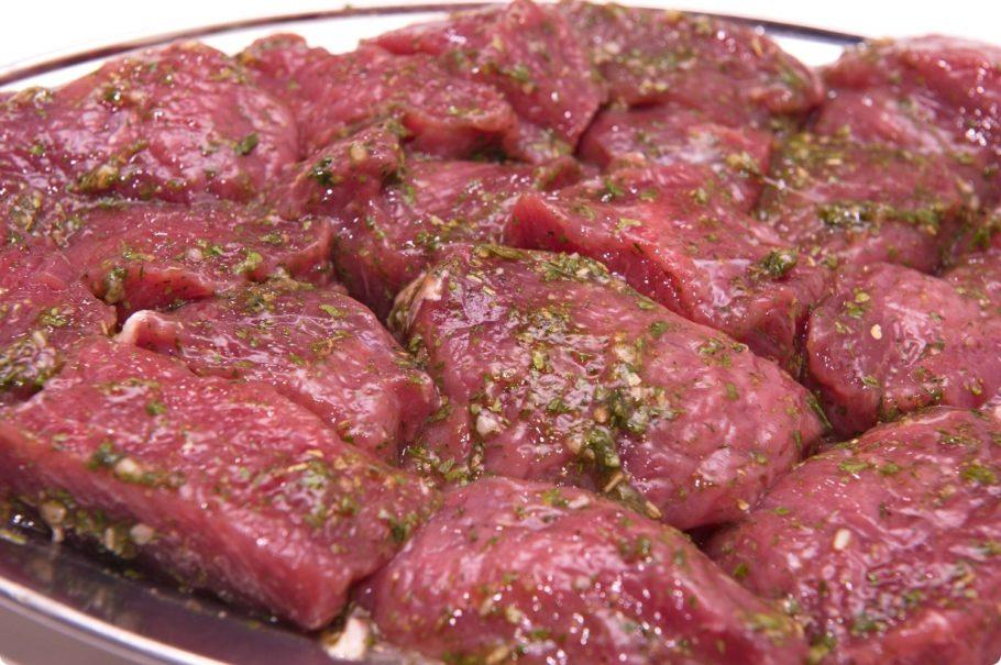Благодаря этому бурлящему ингредиенту ваше мясо, напитавшись кислородом, будет безумно мягким и вкусным
