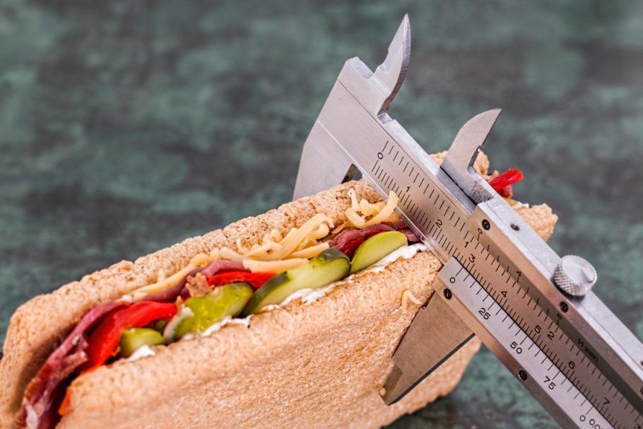 бутерброд и штангенциркуль