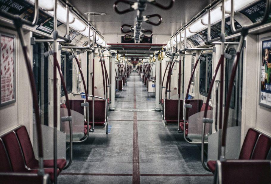 вагоны метро вид изнутри