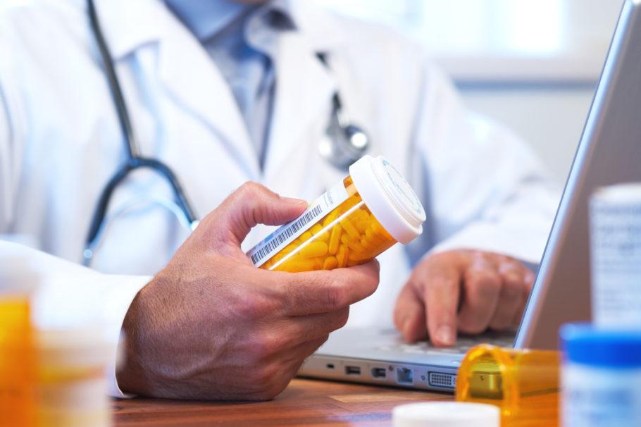 У пациентов со стабильной стенокардией препарат можно комбинировать с другими антиангинальными средствами