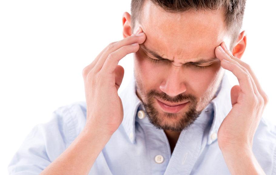 У мужичины болит голова