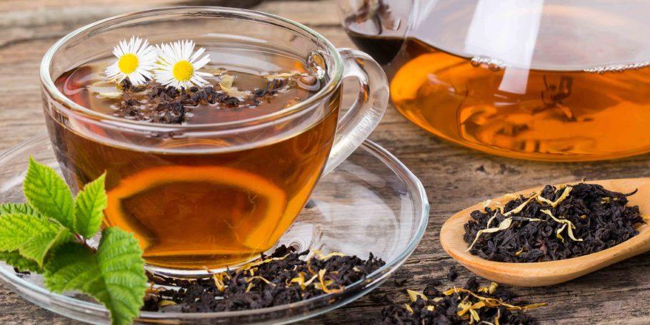 В зависимости от того высокое давление или низкое, чай с бергамотом нужно употреблять прохладным или гарячим