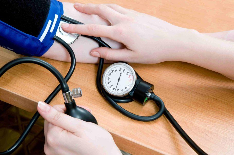 Многочисленные исследования показали, что риск смерти от коронарной болезни сердца возрастает при увеличении систолического давления (САД) на 10 мм рт. ст.