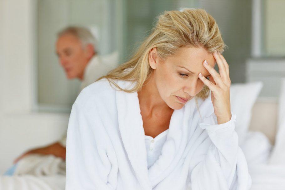 Лишний вес. Понижение концентрации половых гормонов в сочетании с неправильным питанием провоцирует его резкий рост, что заставляет сосуды и сердце больше и интенсивнее работать