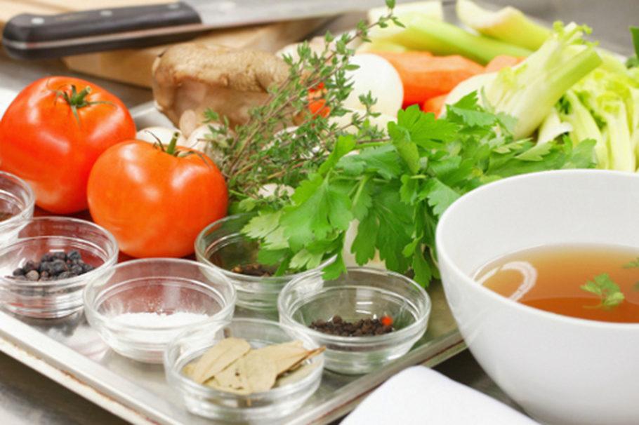 Достаточное количество белка, помогающего сохранить мышцы, подавляющего чувство голода