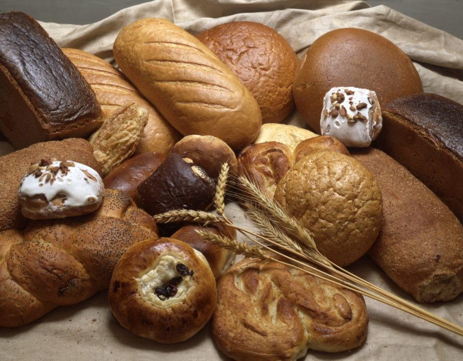 булки хлеба и булочки