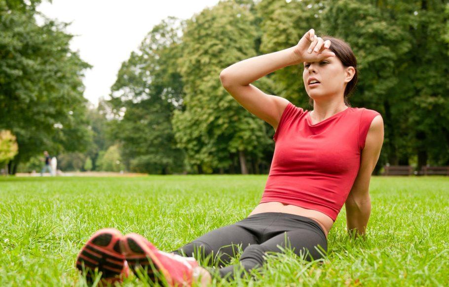 Если человек выполняет усиленные физические нагрузки, то происходит значительное ускорение кровяного потока и последующее стремительное увеличение давления