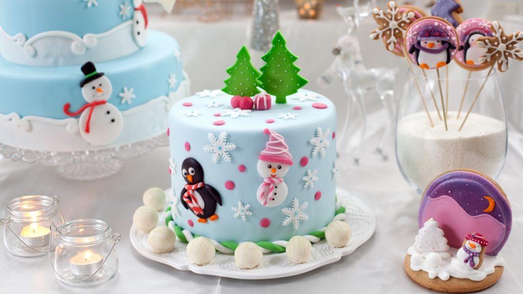 Как красиво украсить торт на Новый 2019 год: в домашних условиях, идеи рекомендации