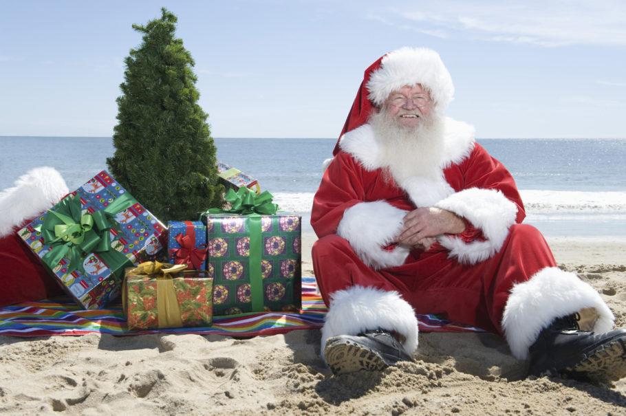 Санта Клаус на пляже