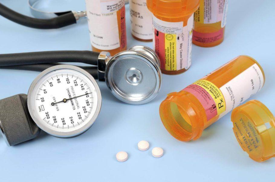 Вопрос о назначении таблеток встает тогда, когда изменение образа жизни не приводит к положительным результатам