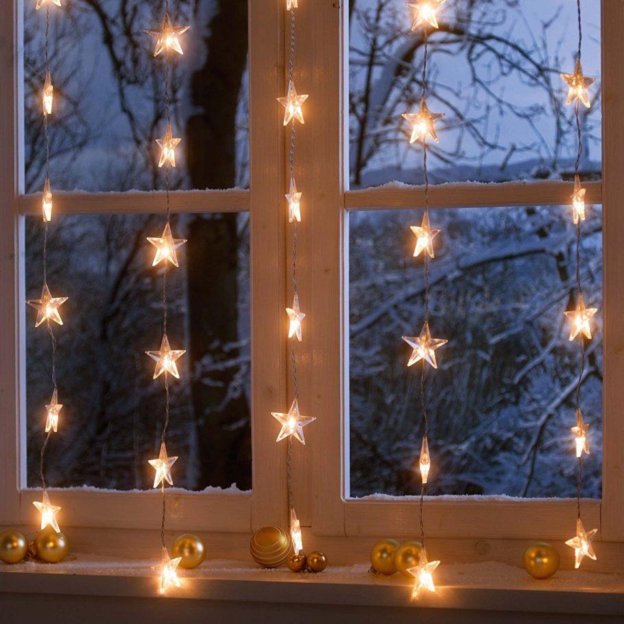 Гирлянды на окне