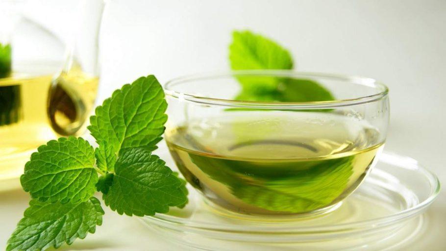 Самый простой рецепт использования мяты — приготовление чая из сухих или свежих листьев