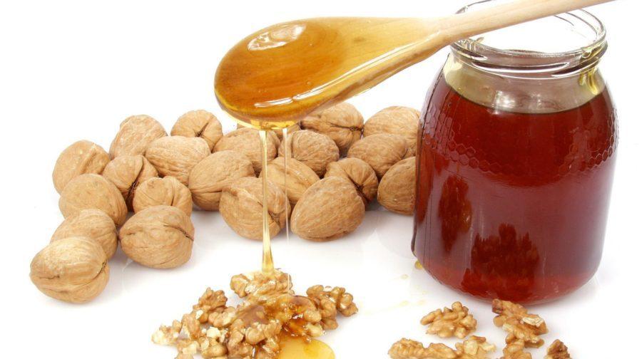Орехи и мед