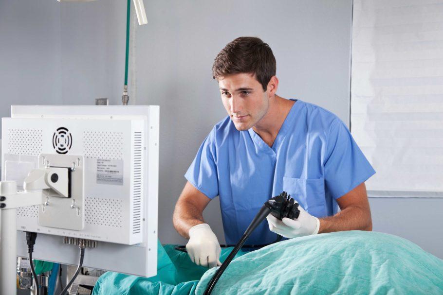 Для этого метода современной проктологической диагностики используют специальный прибор ректороманоскоп